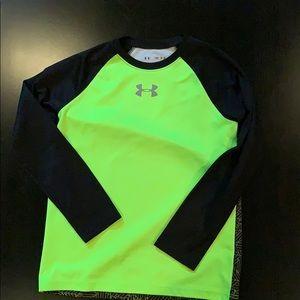 UA long sleeved heat gear boys medium shirt